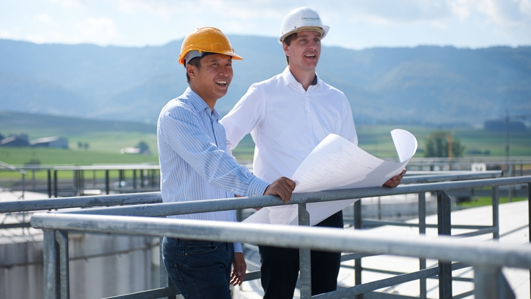 Business consultancy on a tank farm