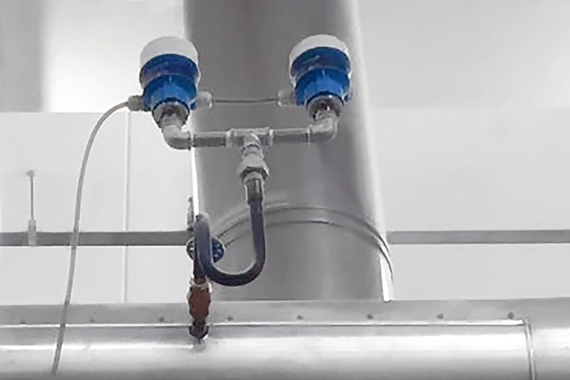 Cerabar M used for redundant pressure measurement in a steam pipe